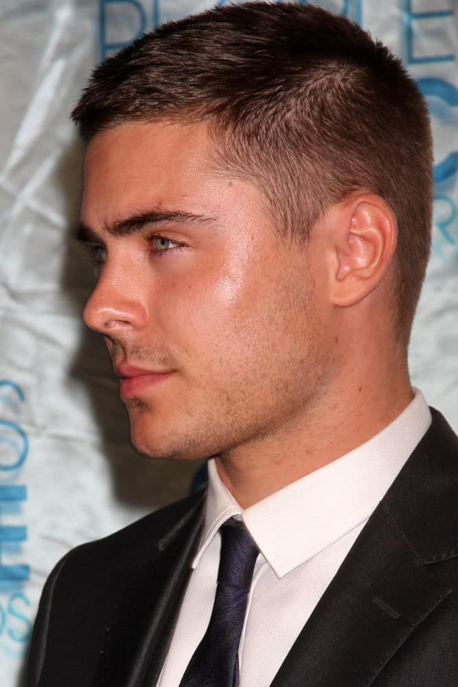 A side view of Zac Efron with his nice haircut taken on January 5, 2011 at Nokia Theater at LA Live during the 2011 People's Choice Awards.