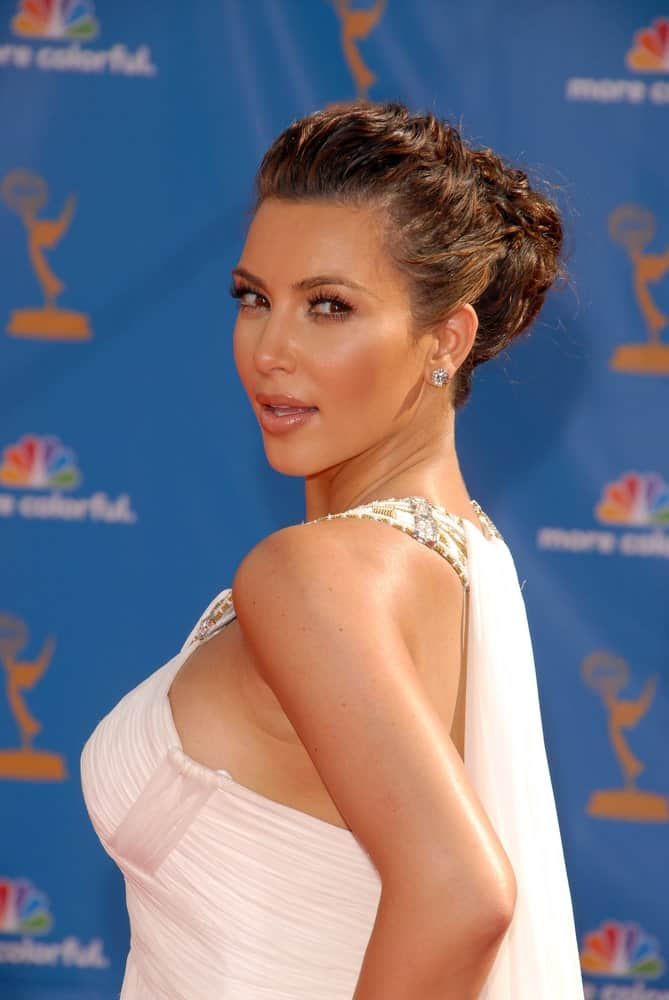 Kim Kardashian pulled off a glamorous highlighted updo during the 62nd Annual Primetime Emmy Awards held on August 29, 2010, at Nokia Theater, Los Angeles, CA.