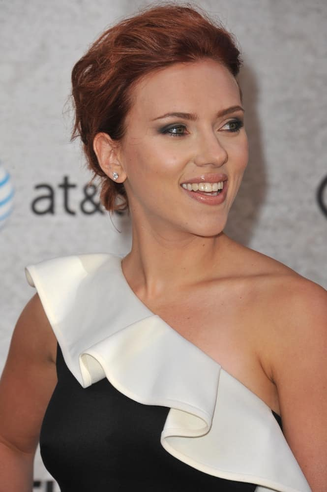 Scarlett Johansson paired her one-shoulder black and white dress with a tousled and messy bun hairstyle with a slight pompadour look at the Spike TV's Guys Choice Awards 2011 at Sony Studios in Culver City, CA on June 4, 2011.