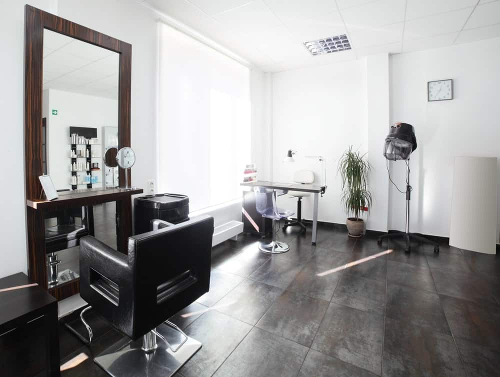 A bright and airy small salon with one hair station.