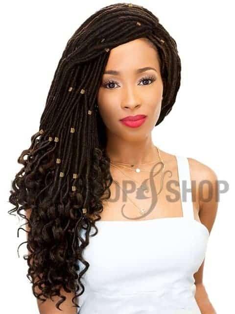 Woman with straight crochet hair.
