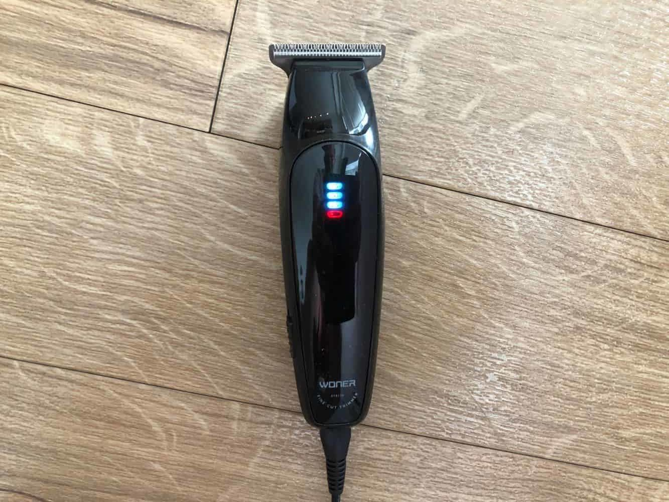 Charging indicator on Woner beard trimmer
